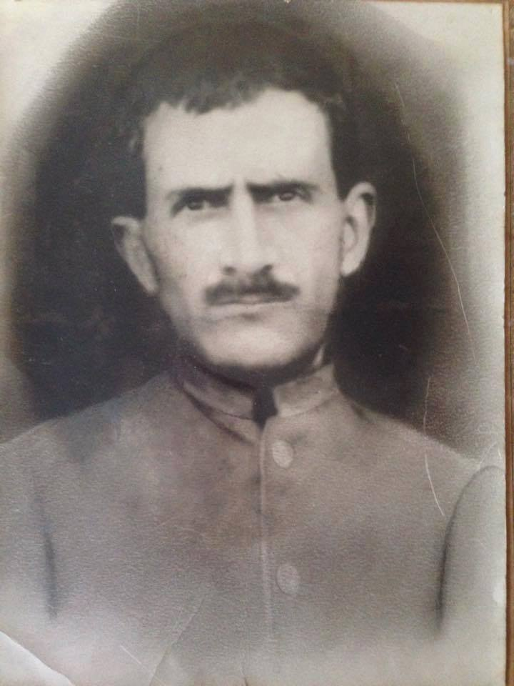 Osmanlının son tahsildarlarından (Remzi Çakır'ın dedesi)honderzade Hüseyin Çakır Efendi.Ruhuna fatiha